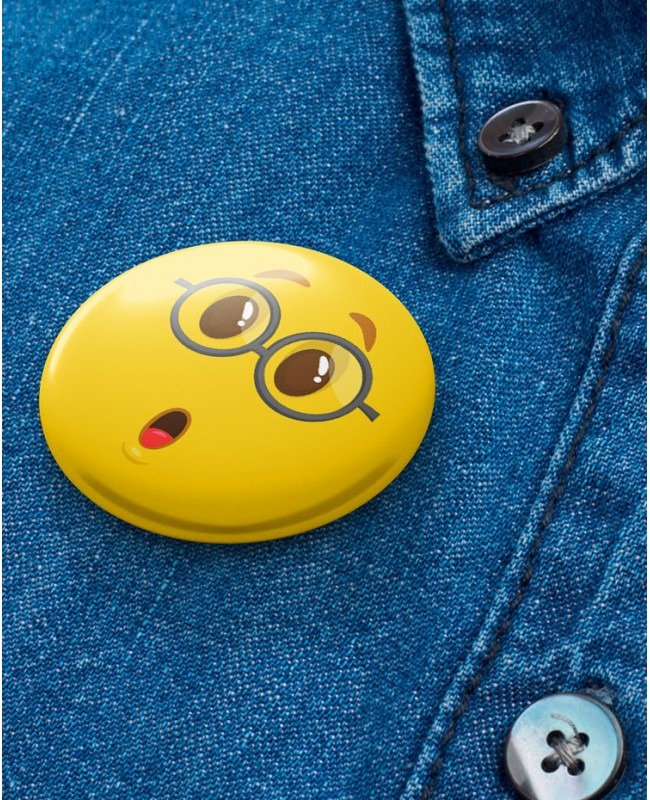 Button Yellow Face WOW